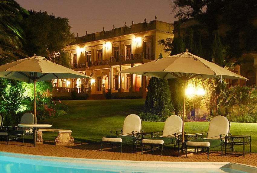 South-Africa-Fairlawns-Exterior-Pool