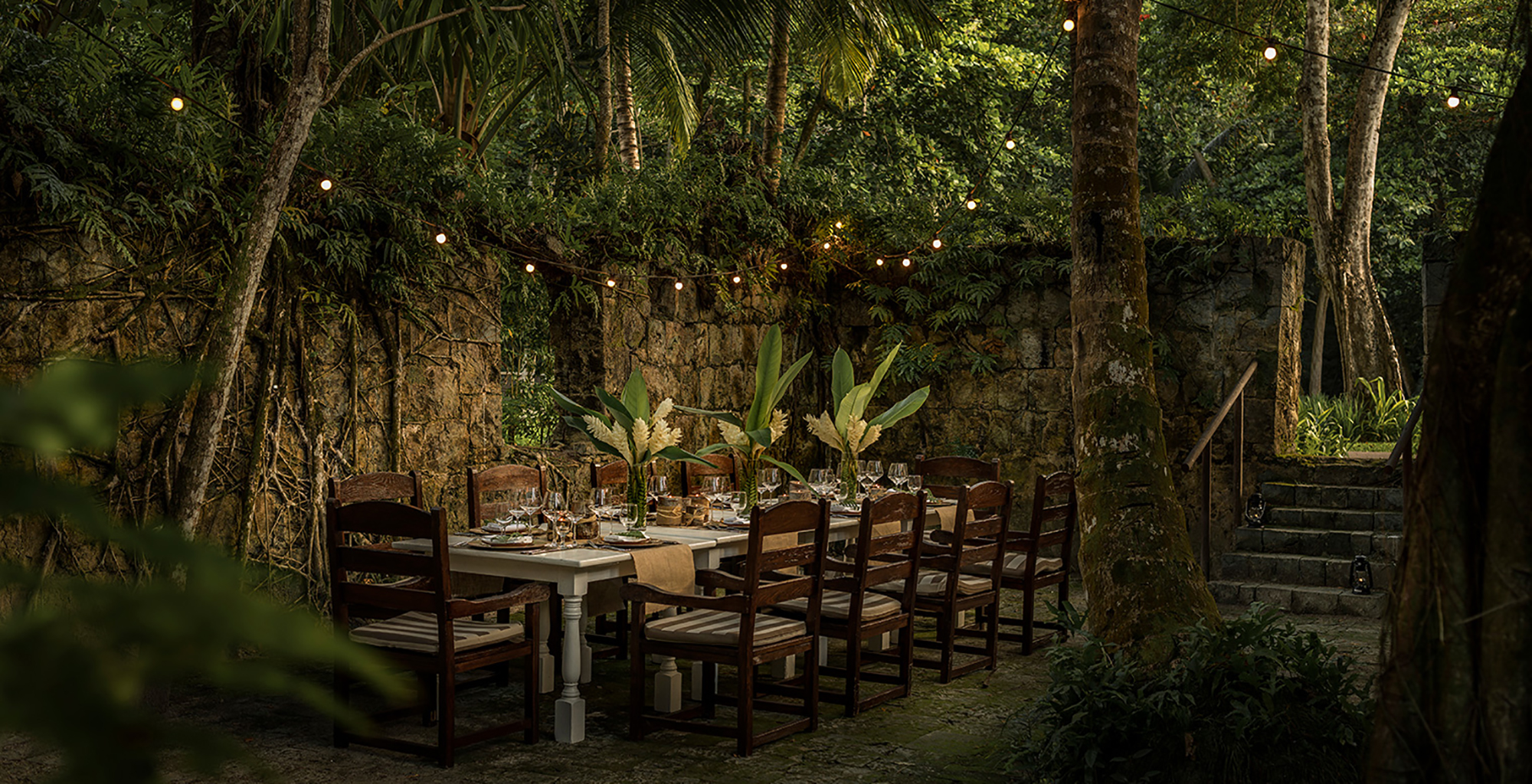 Seychelles-Four-Seasons-Dining