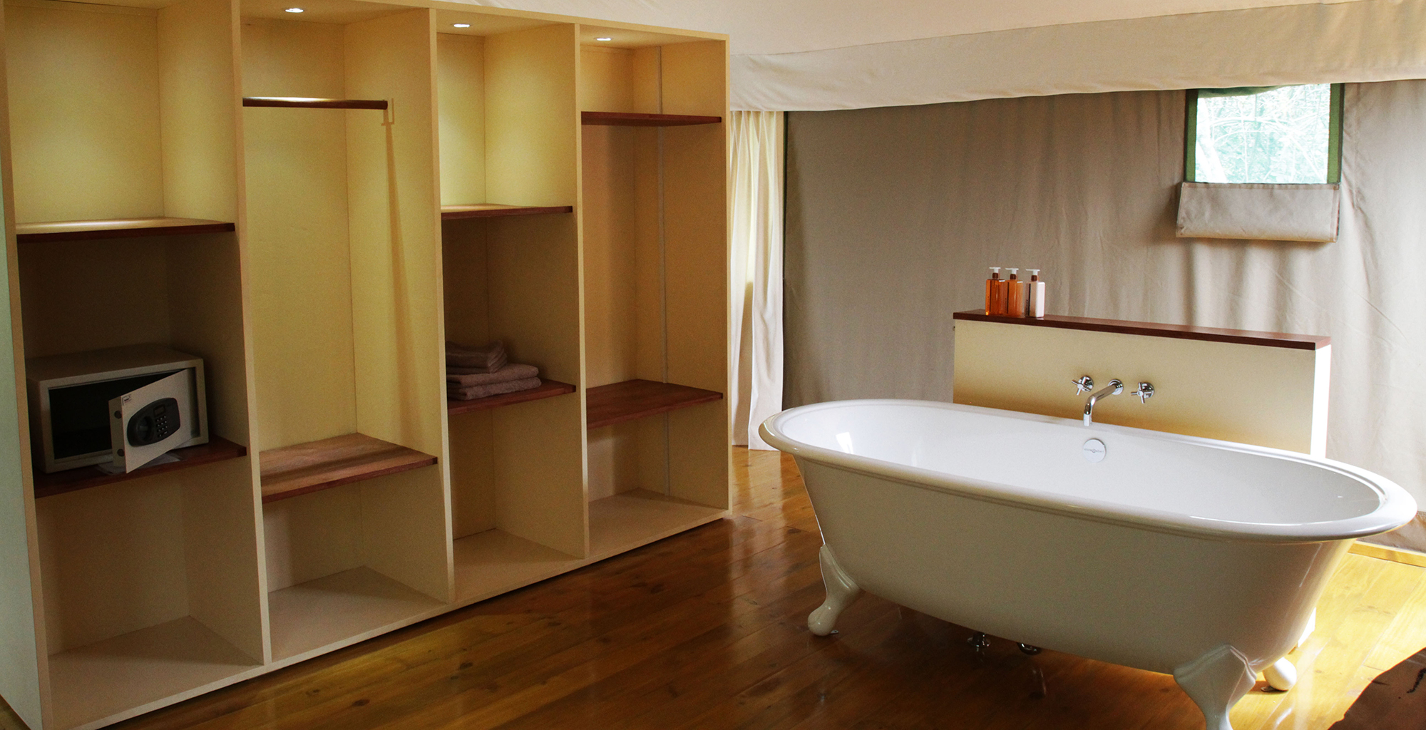 Rwanda-Ruzizi-Tented-Bathroom