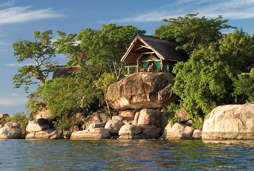 Lake-Malawi-Mumbo-Island-Lodge-Exterior