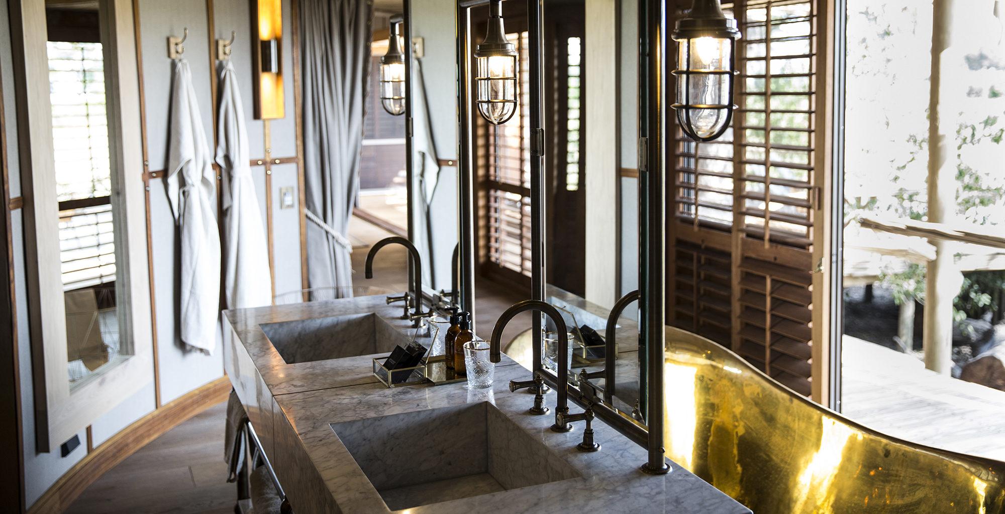 Botswana-Little-Mombo-Bathroom