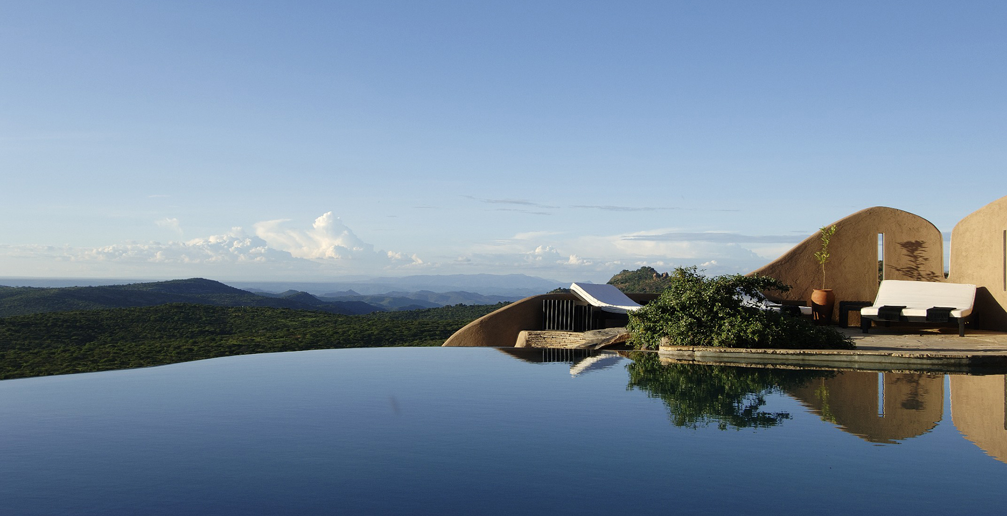 Kenya-Ol-Lentille-Swimming-Pool