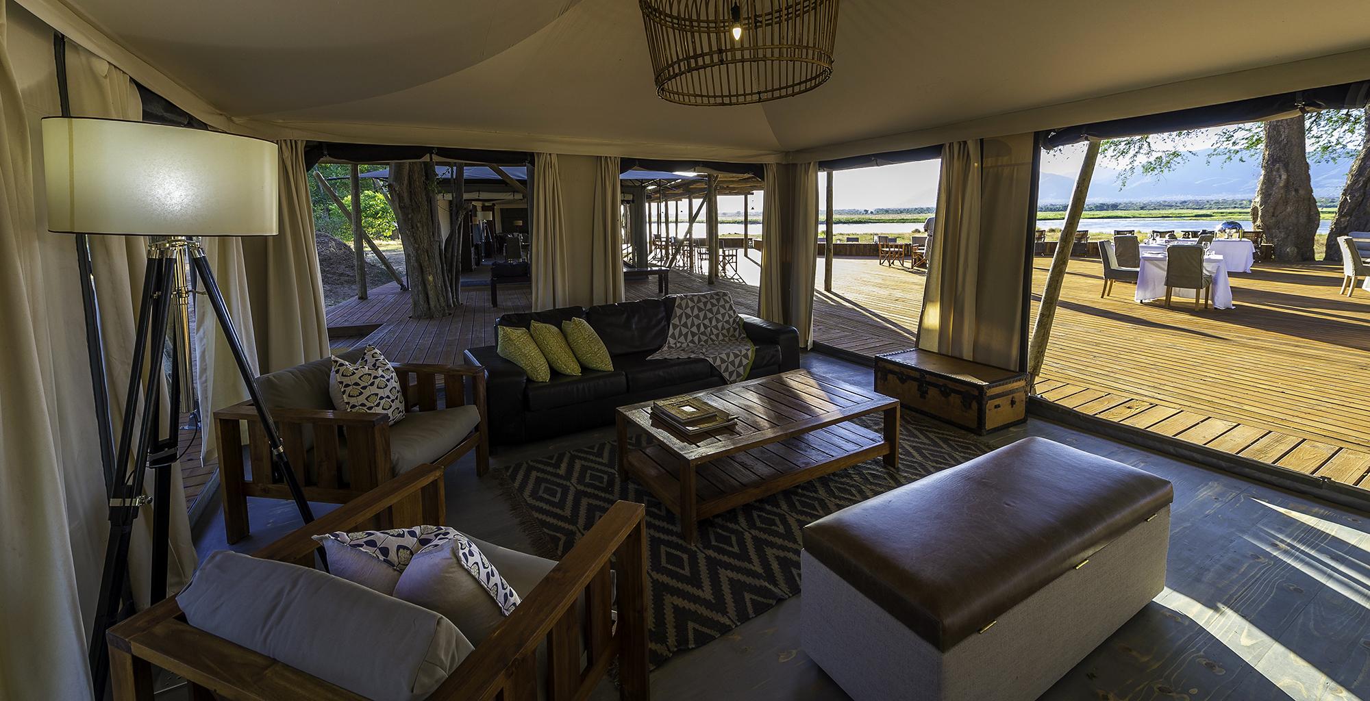 Zimbabwe-Ruckomechi-Lounge