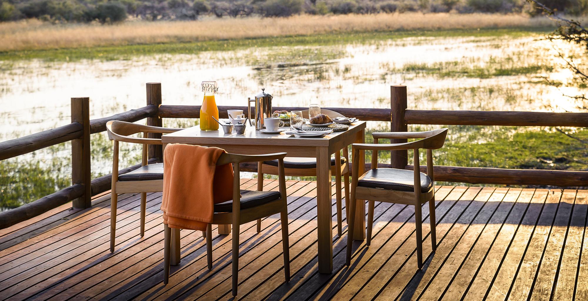 Botswana-Chiefs-Camp-Outdoor-Dining