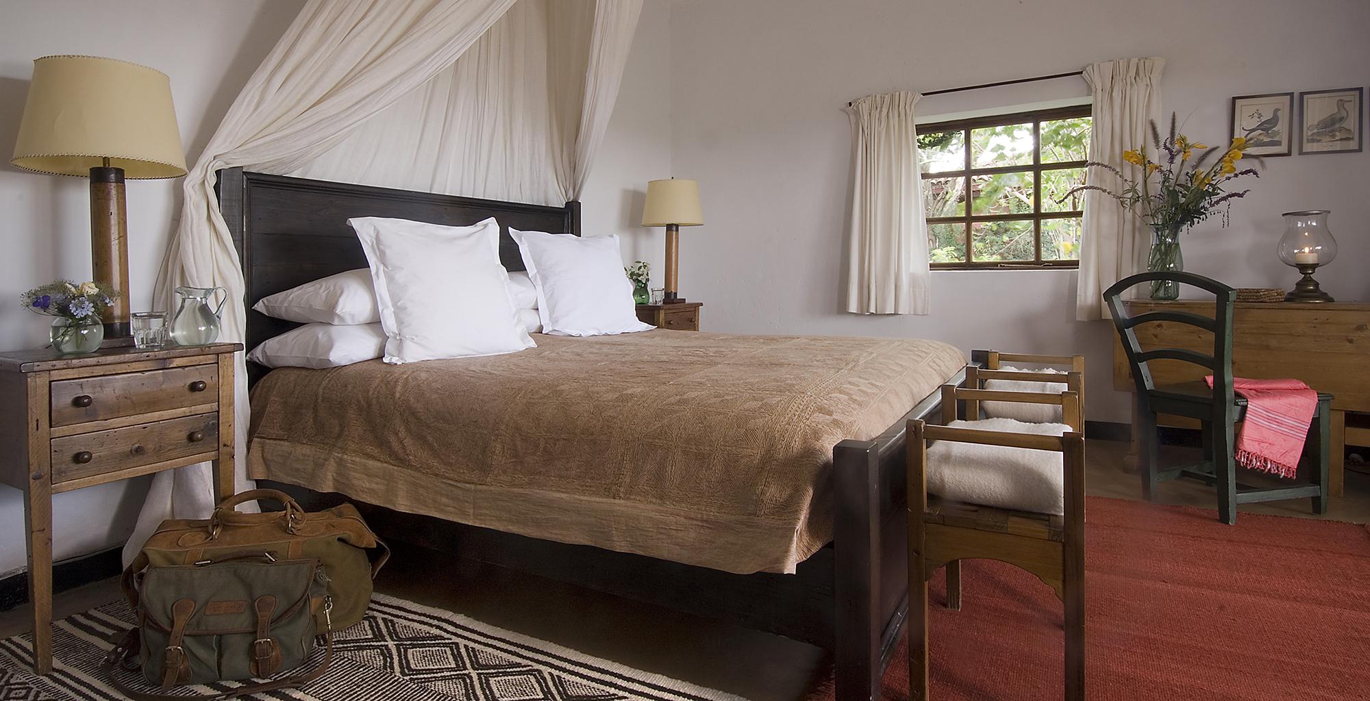 Kenya-Sosian-Game-Lodge-Bedroom