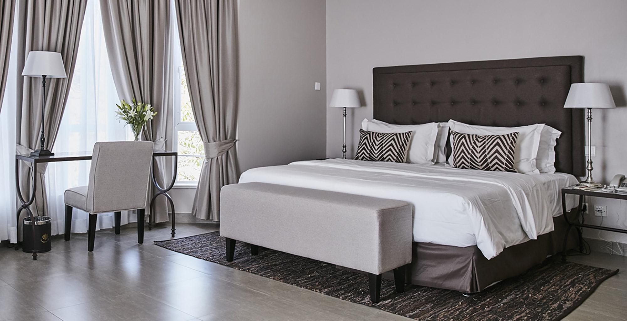 Kenya-Palacina-Nairobi-Bedroom