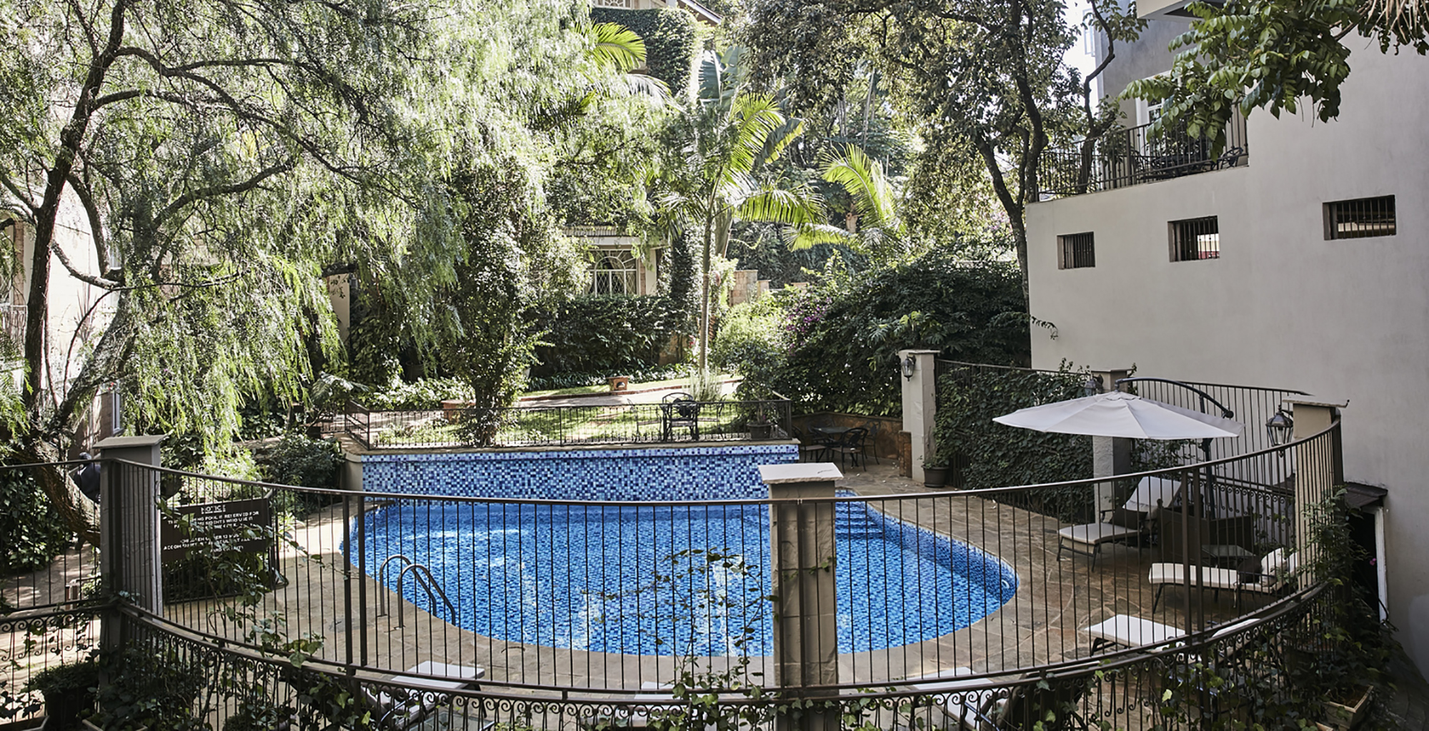Kenya-Palacina-Nairobi-Swimming-Pool
