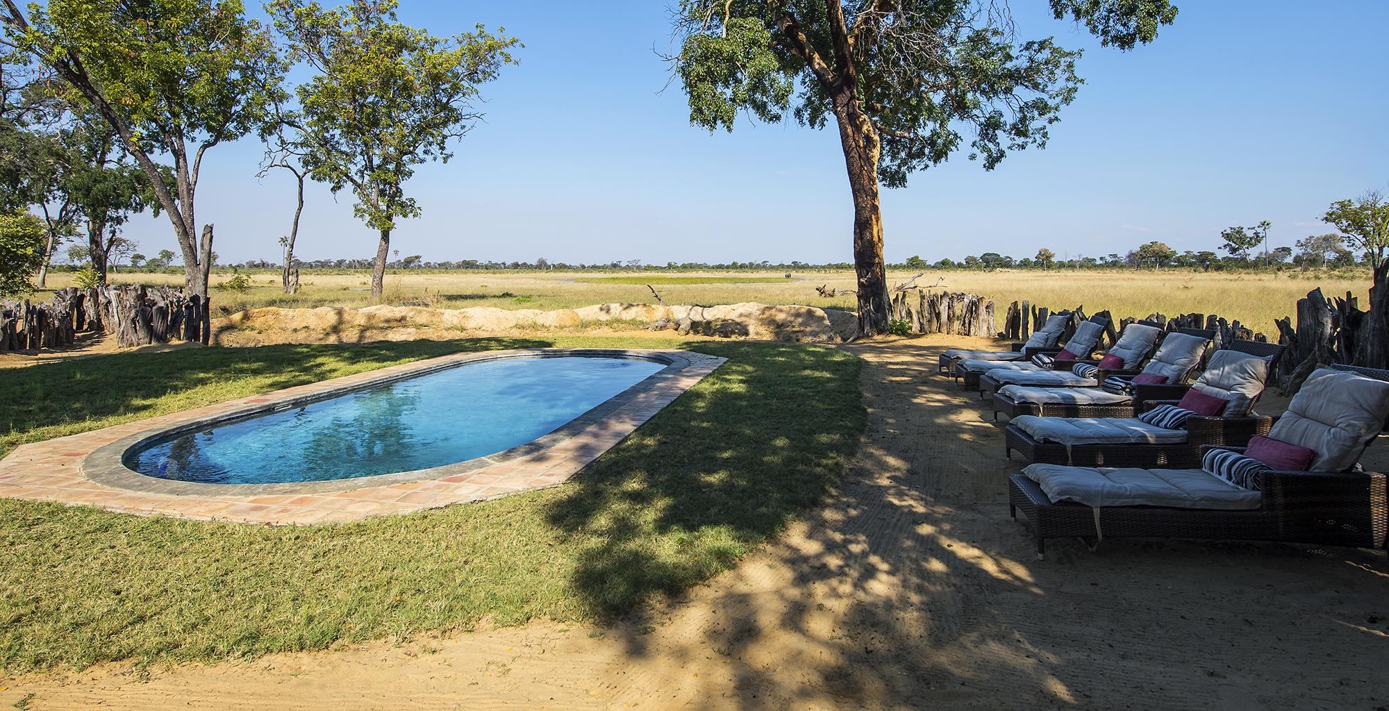 Zimbabwe-Davisons-Camp-Pool