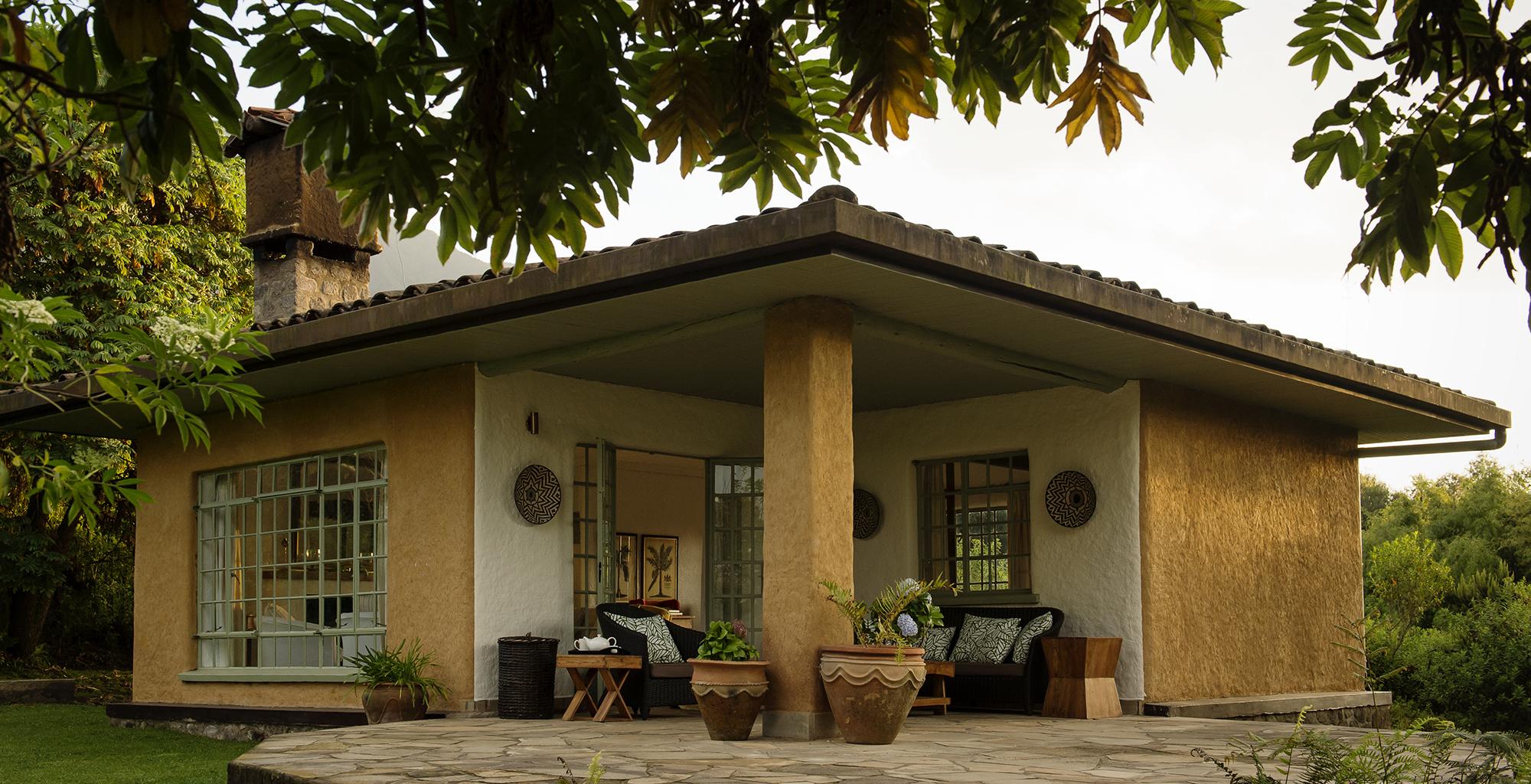 Rwanda-Sabyinyo-Silverback-Lodge-Exterior