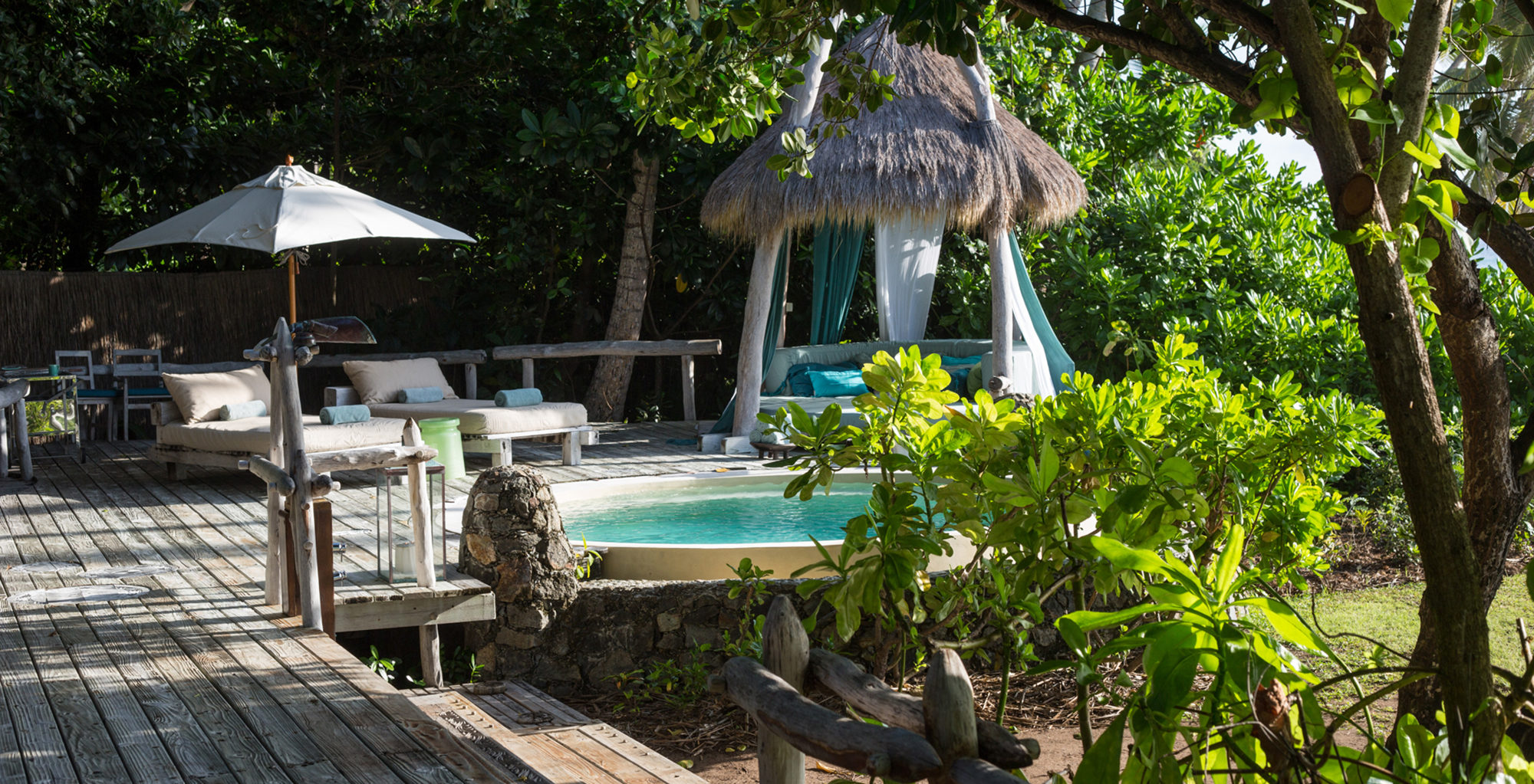 Seychelles-North-Island-Lodge-Swimming-Pool