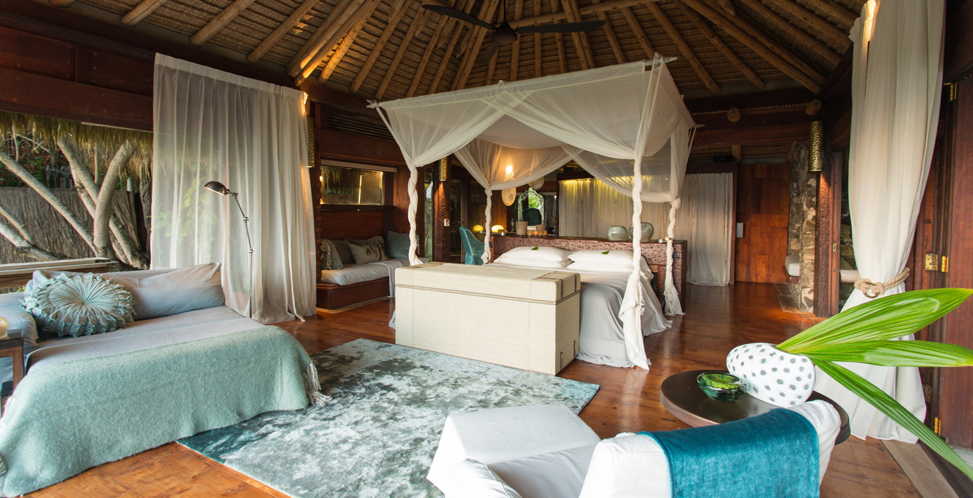 Seychelles-North-Island-Lodge-Bedroom