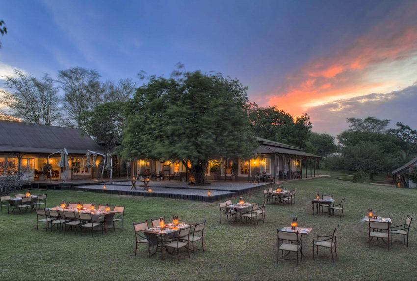 South-Africa-Kirkmans-Kamp-Lawn-Dining-Exterior