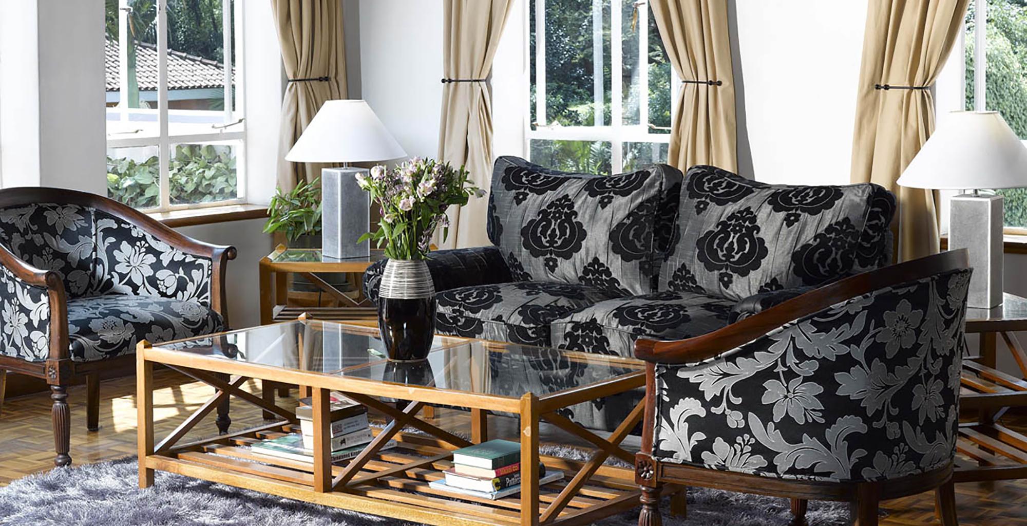 Kenya-House-of-Waine-Lounge