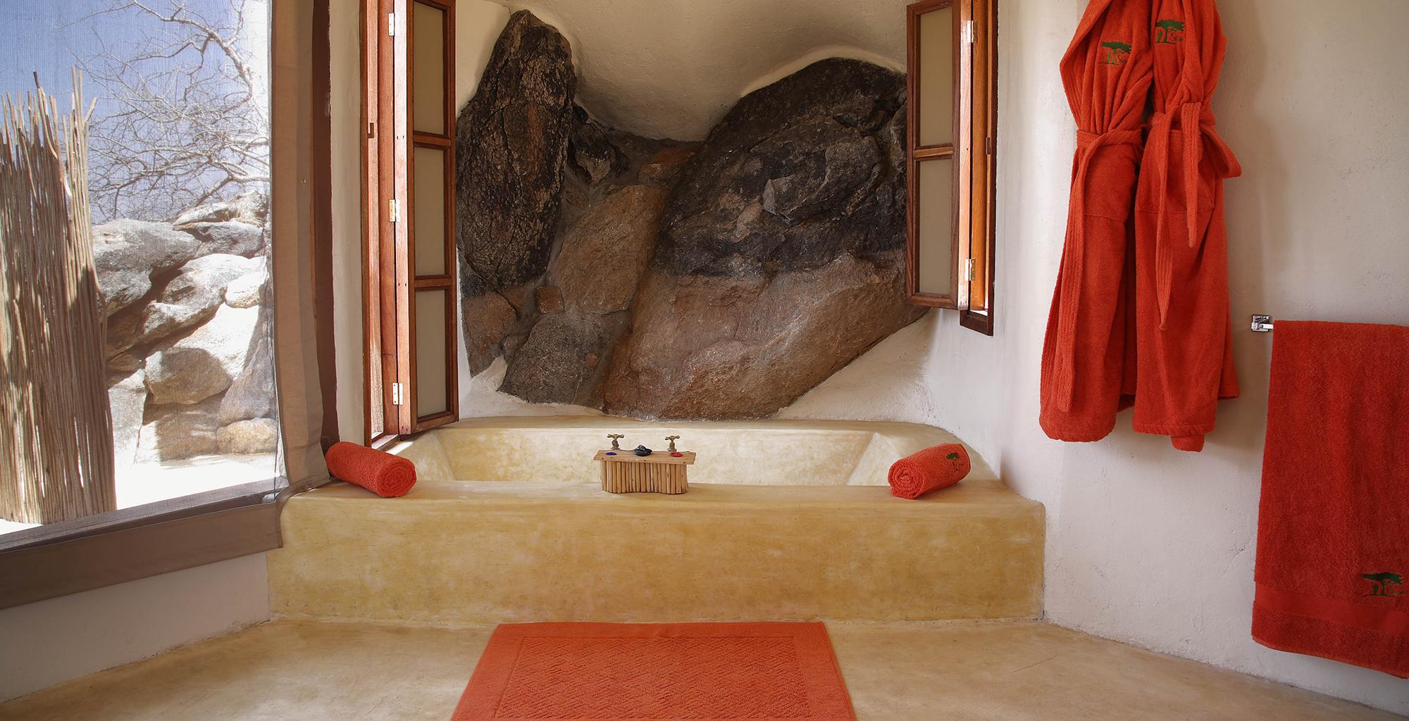 Kenya-Saruni-Samburu-Bathroom