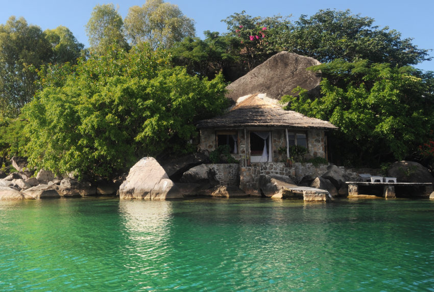 Lake-Malawi-Kaya-Mawa-Lodge-Exterior