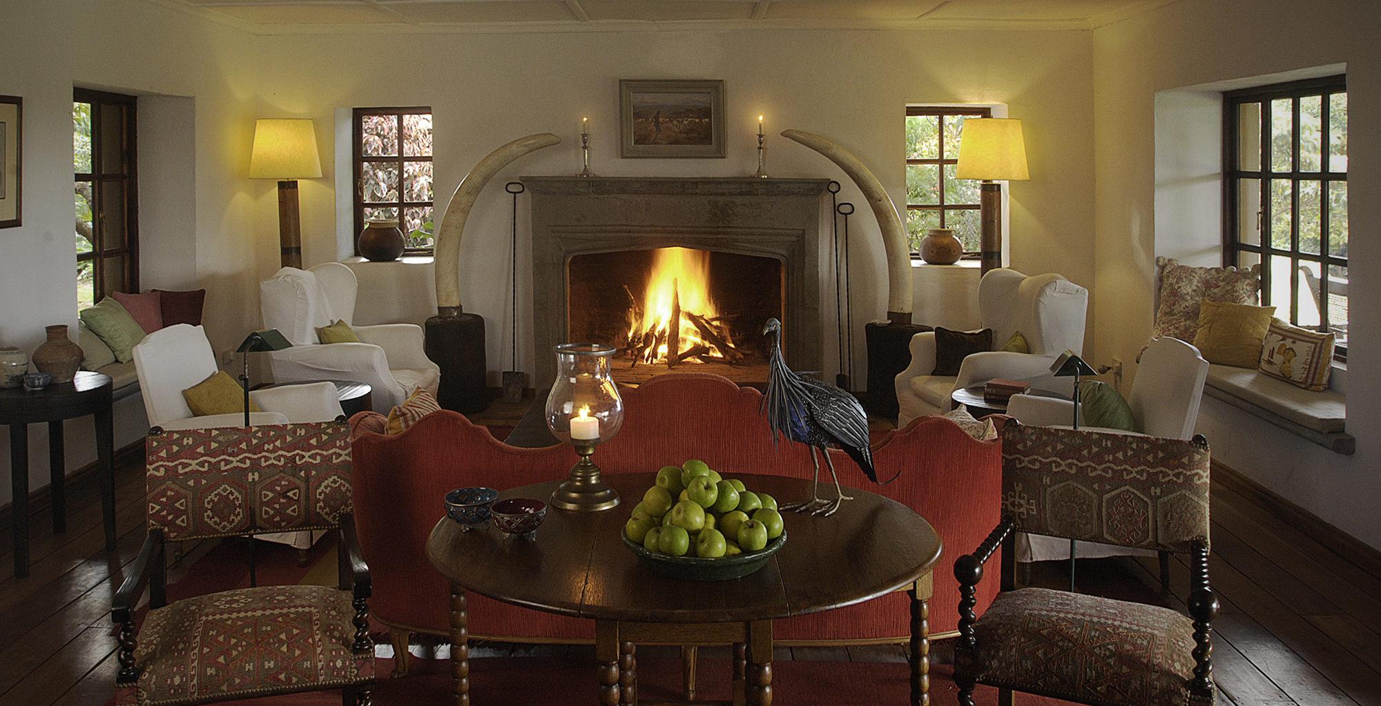 Kenya-Sosian-Game-Lodge-Living-Room