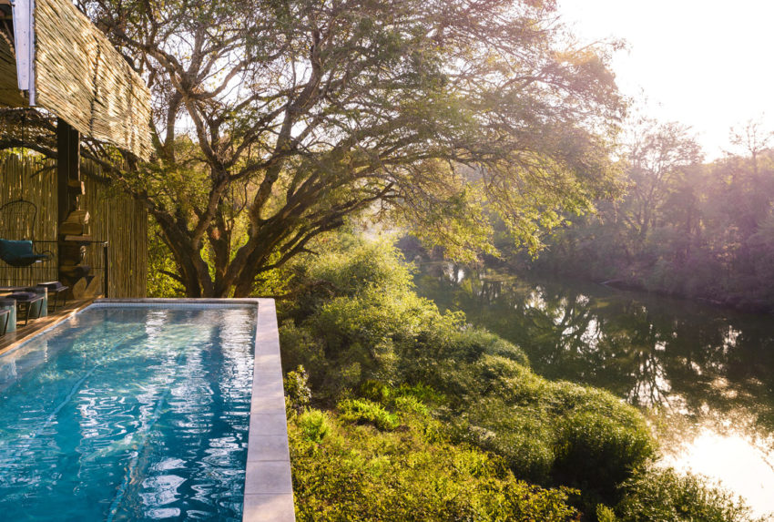 singita_sweni_main_lodge_swimming_pool_low-res_1