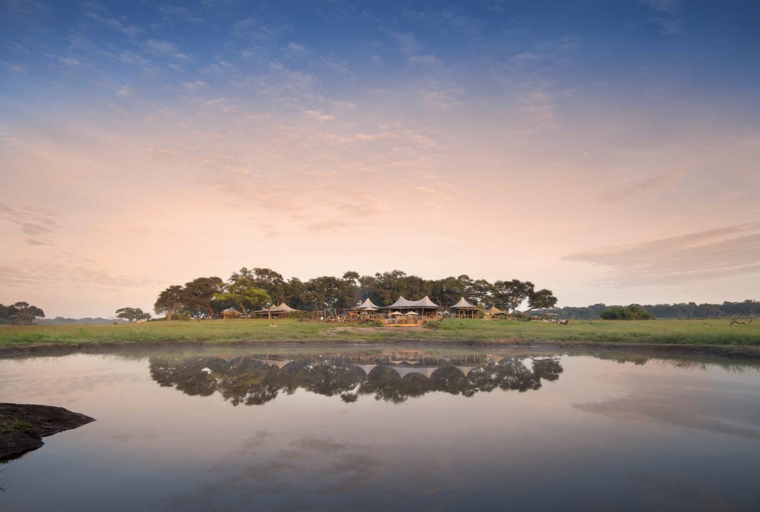 Somalisa Acacia Zimbabwe sunset