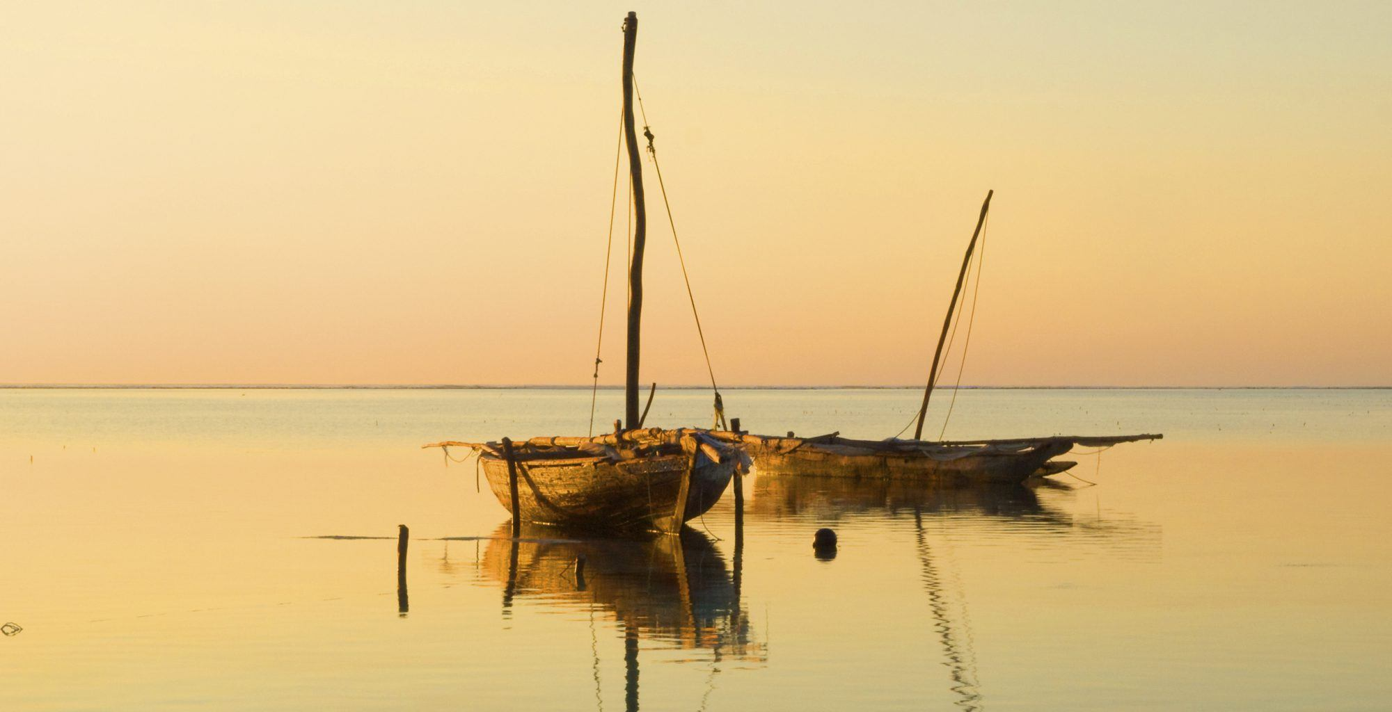 Zanzibar-Archipelago-Boat-on-Beach
