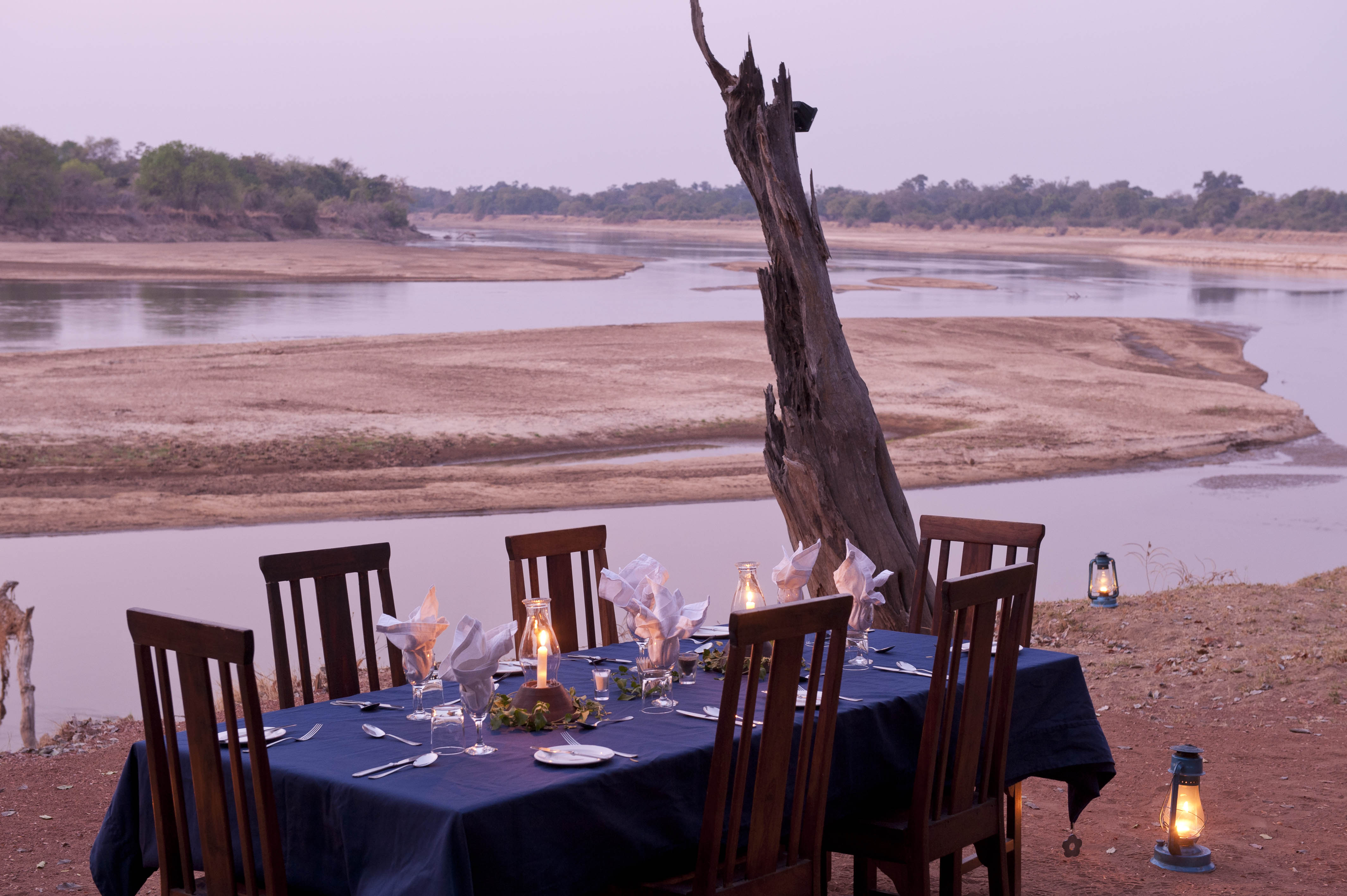 NsefuCamp-Zambia dining