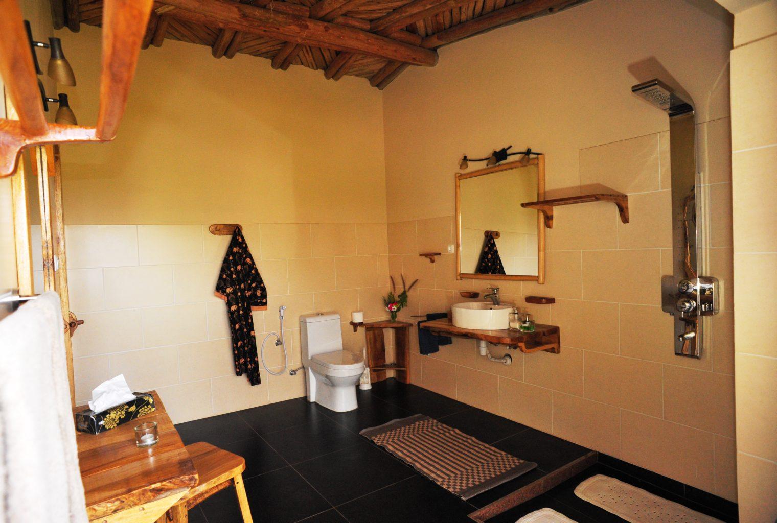 Korkor Lodge Ethiopia Bathroom