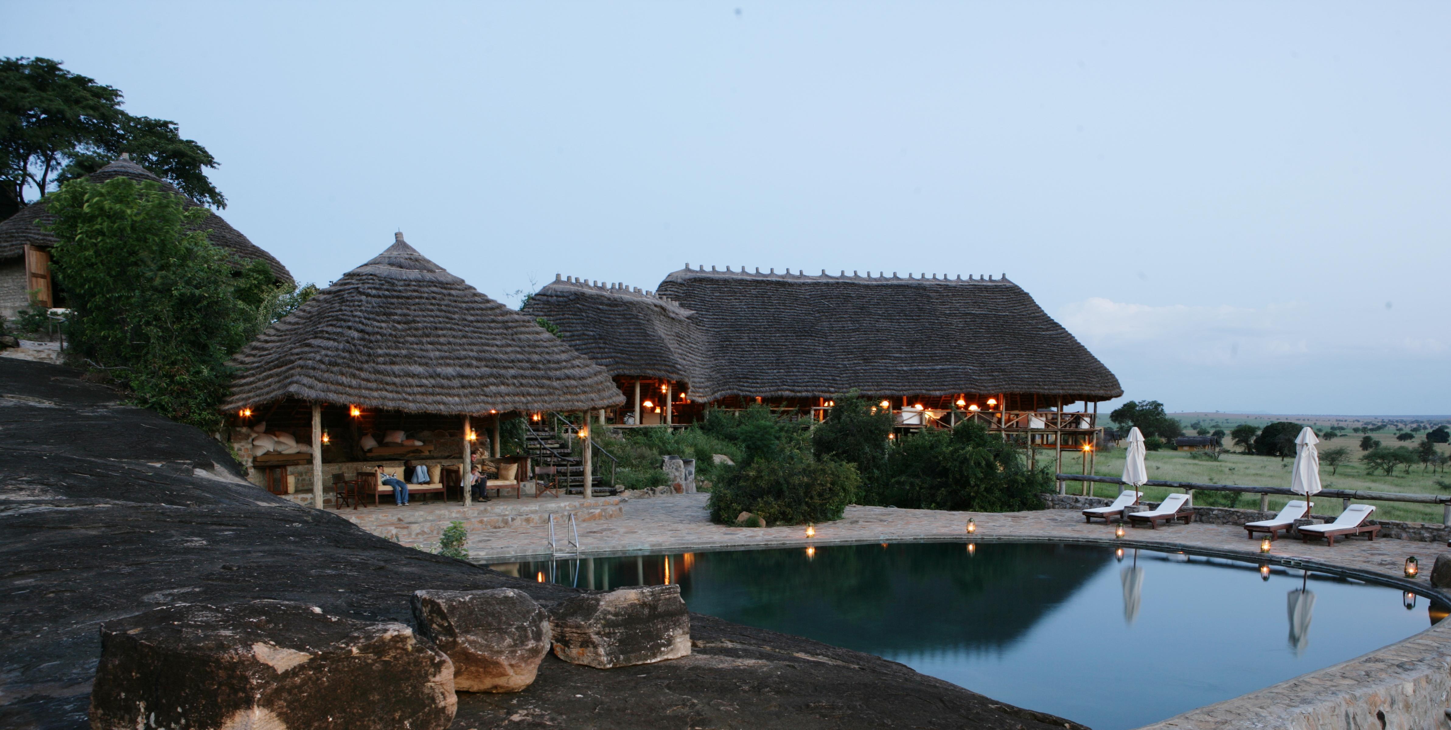 Apoka Uganda Pool Lodge
