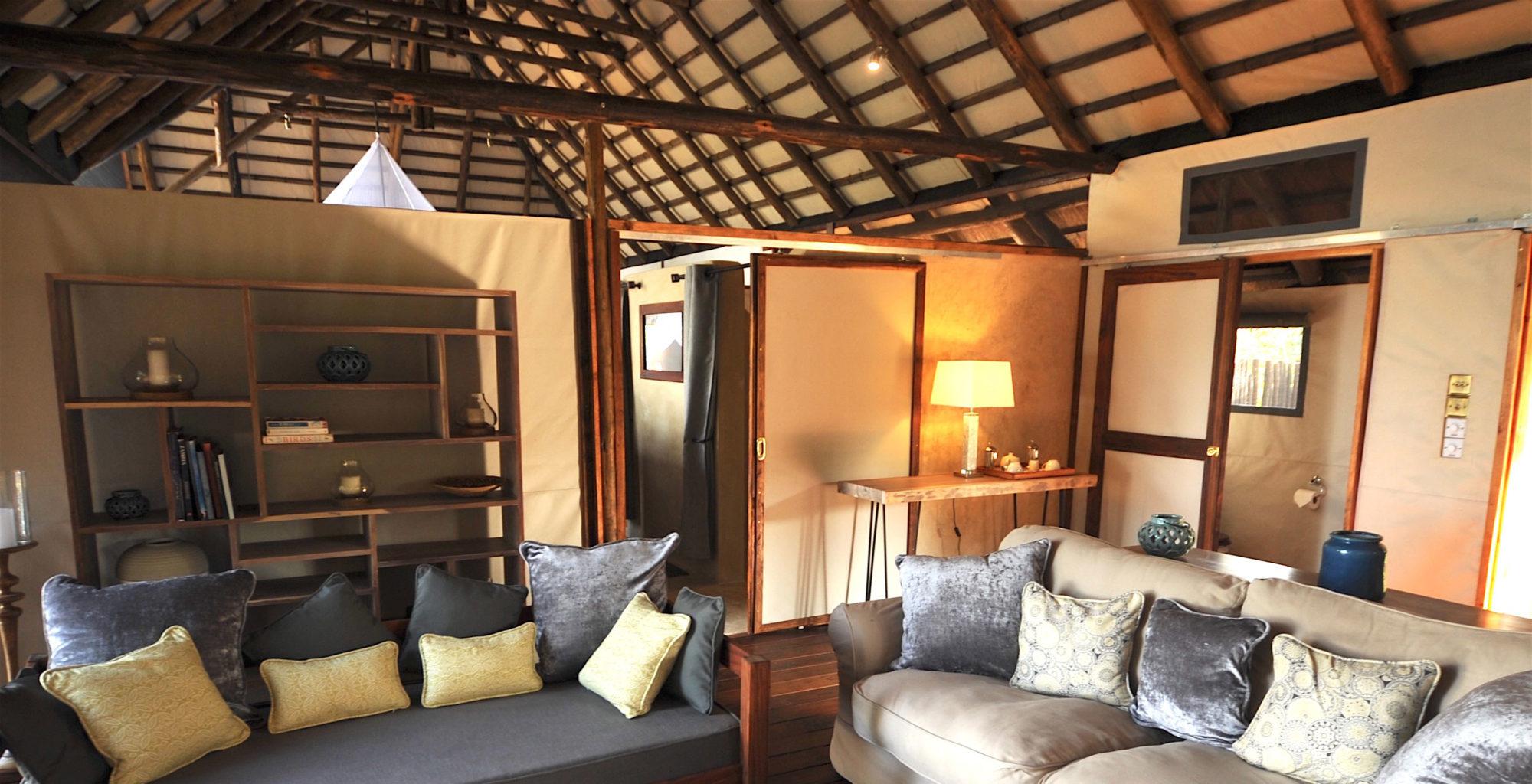 CHIAWA CAMP Zambia Lounge