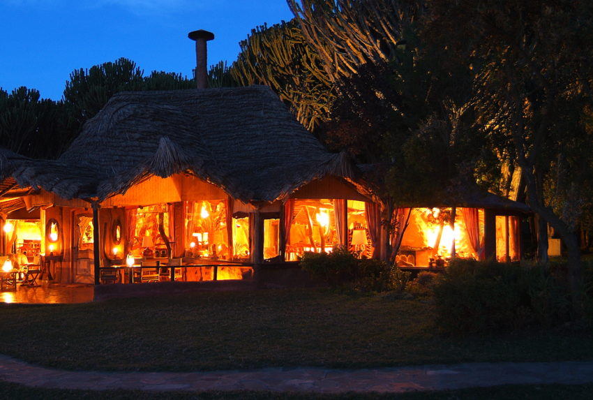 Chui Lodge Kenya Exterior Night