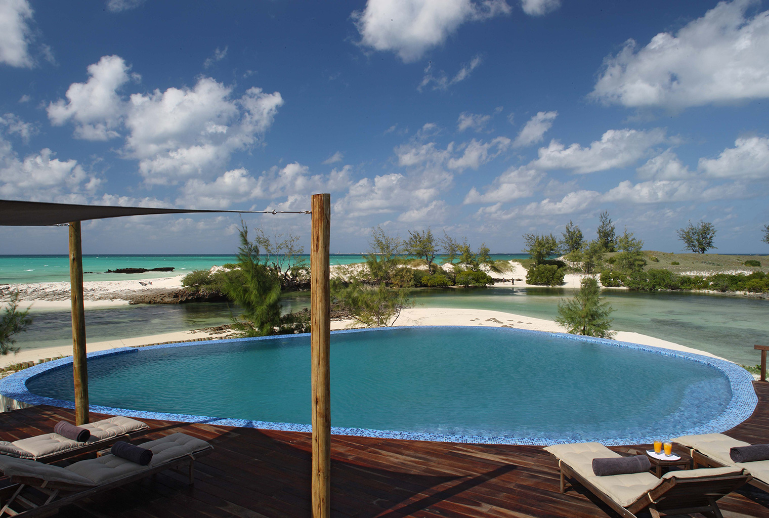 Coral-Lodge-Mozambique-Pool