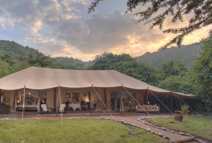 Cottars-1920s-Style-Kenya-Tent-Exterior