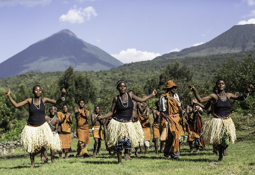 Mount Gahinga Lodge Uganda dancers