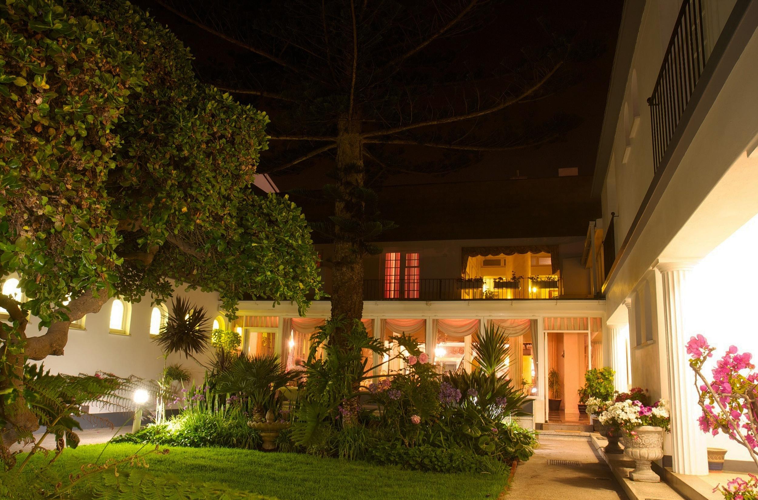Hansa Hotel Namibia Exterior Night