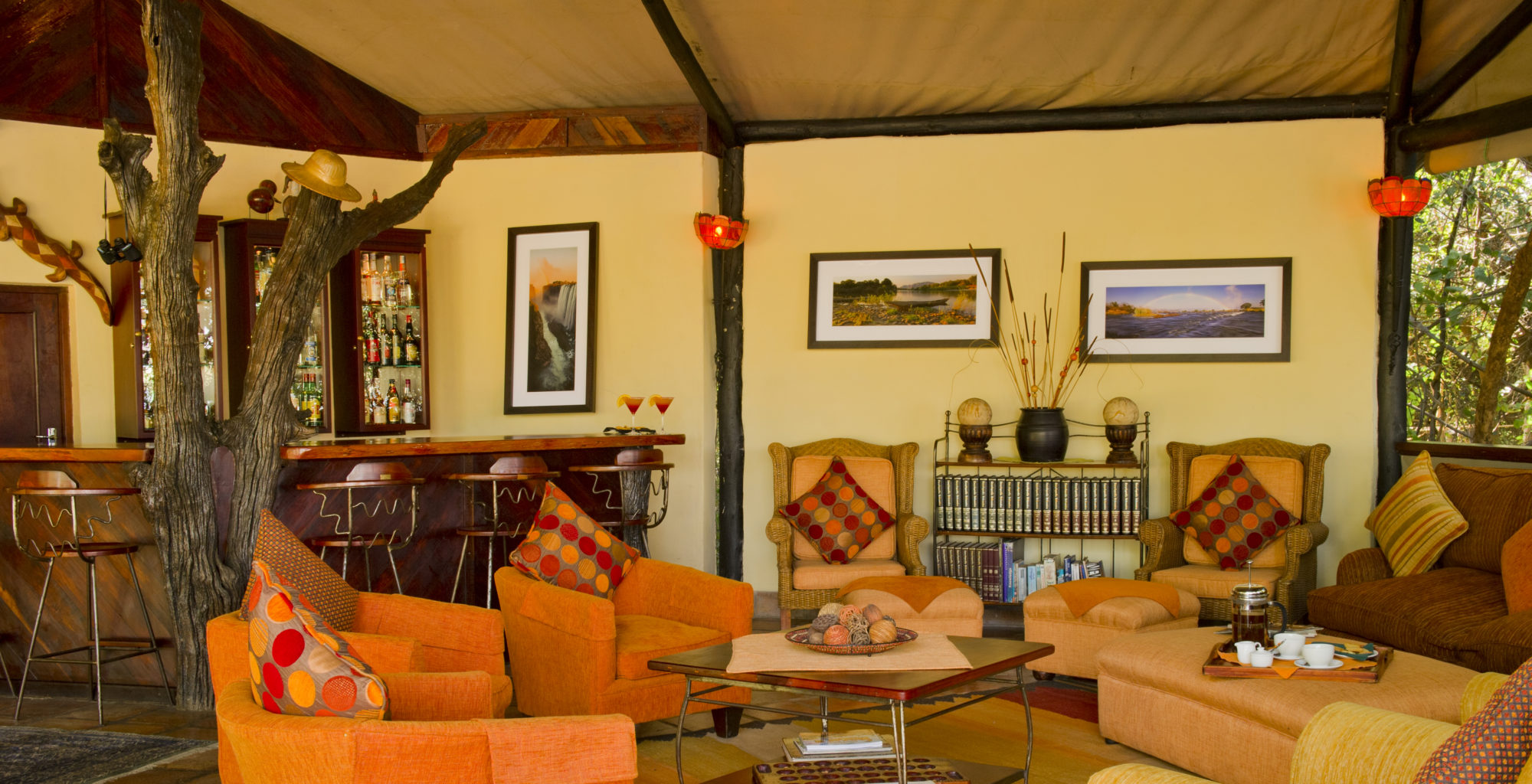 Island-of-Siankaba-Zambia lounge area