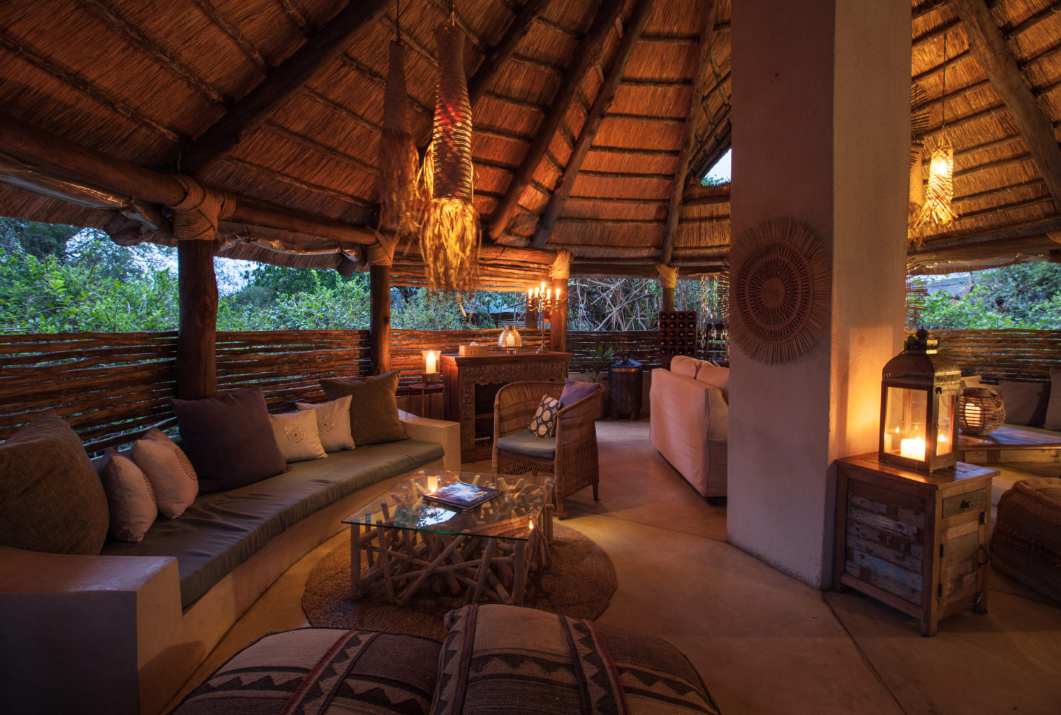 Sindabezi Island Camp livingroom