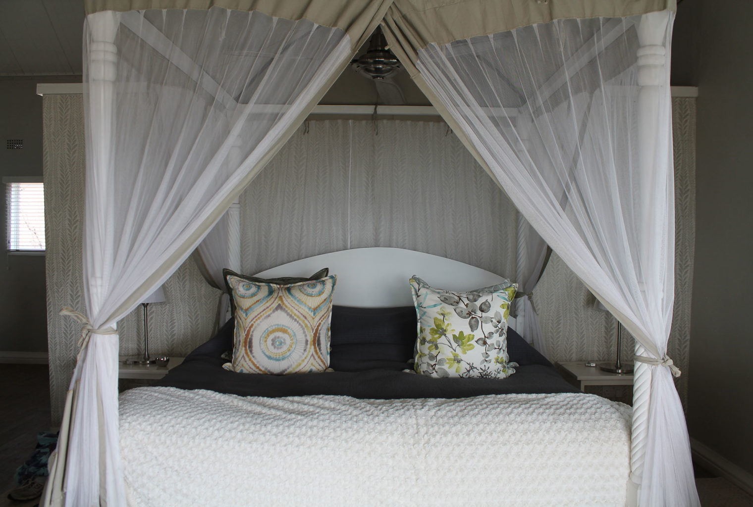 The-River-Club-Lodge-Zambia-bed