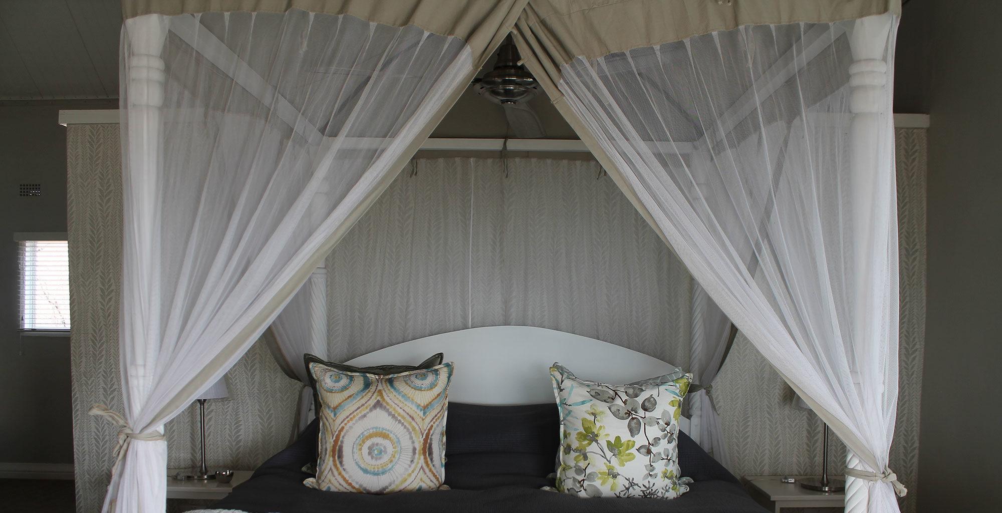 The-River-Club-Lodge-Zambia-bed