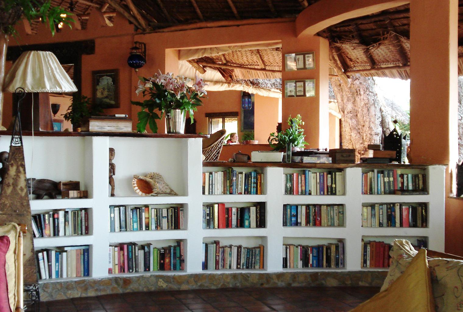 Kinasi-Mafia-Tanzania-Library