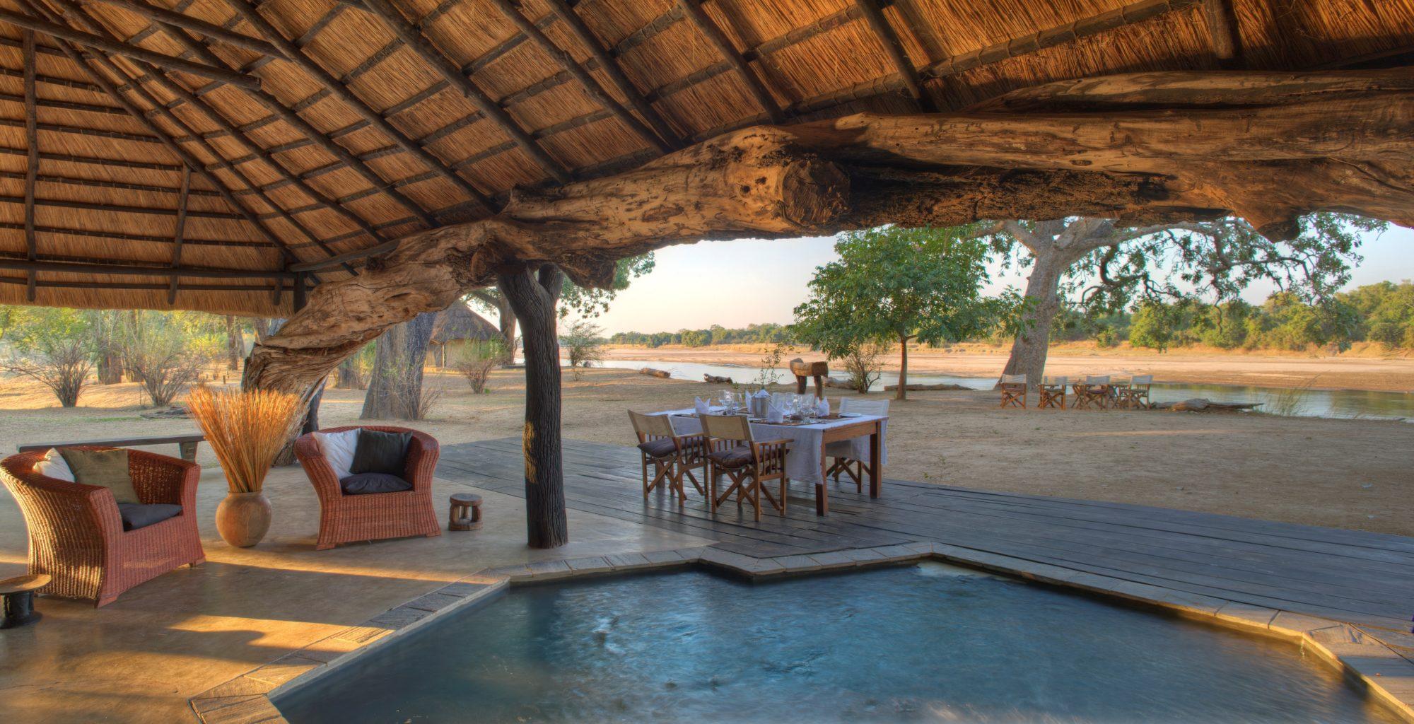 Zambia,-Mchenja-Camp-pool