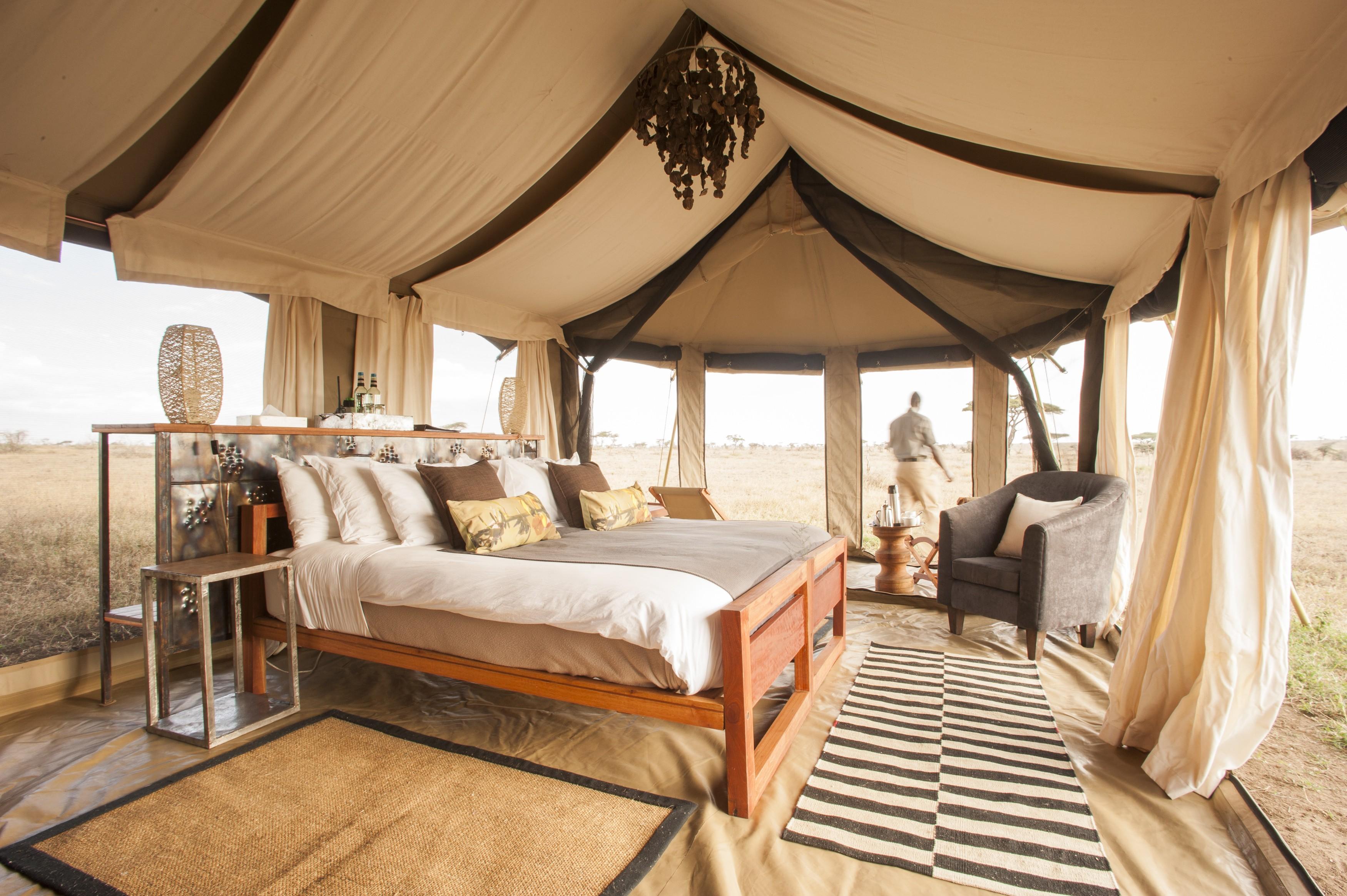 Skeleton Coast Namibia >> Luxury Safari Lodges & Camps Across Namibia