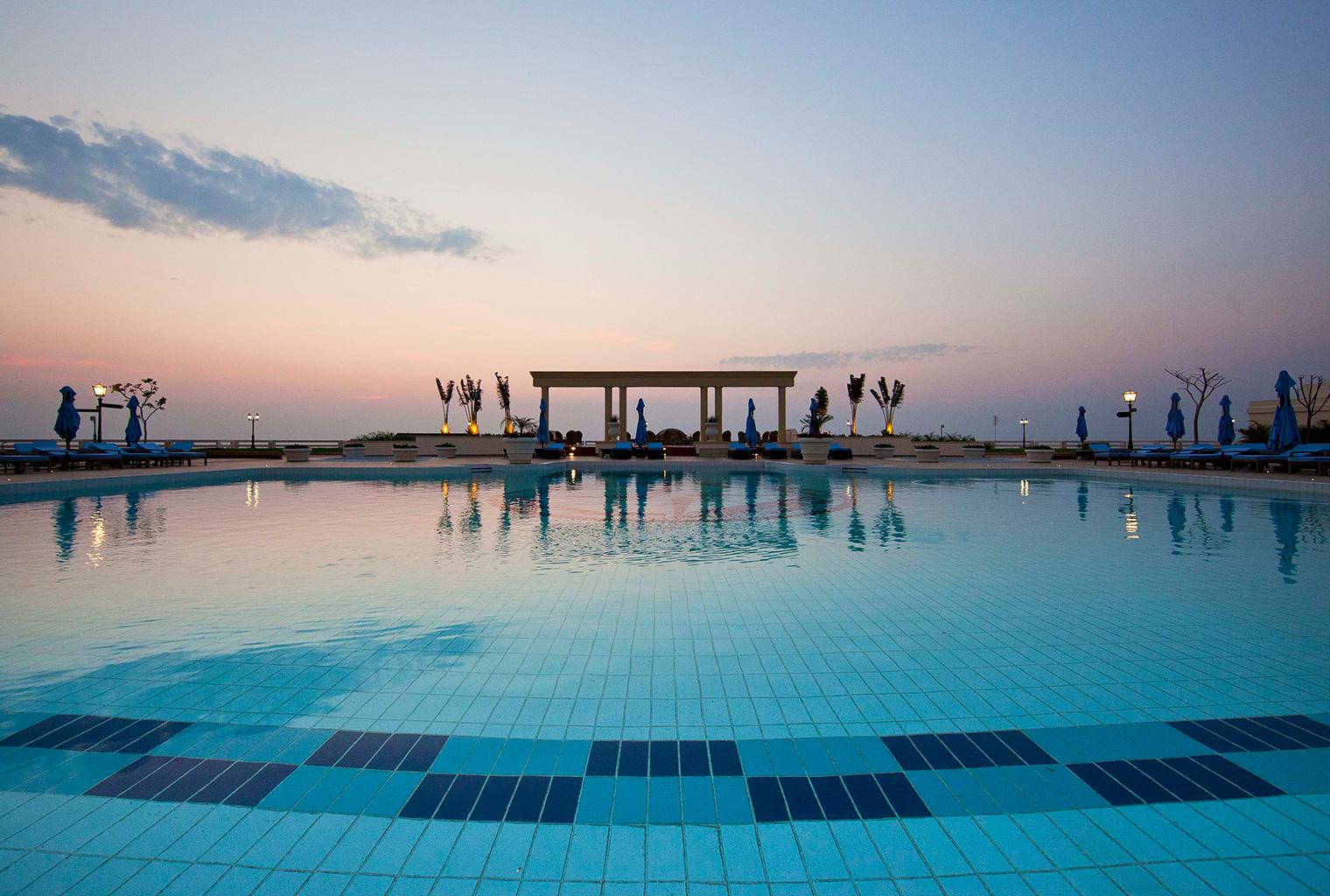 Polana-Serena-Hotel-Mozambique-Pool
