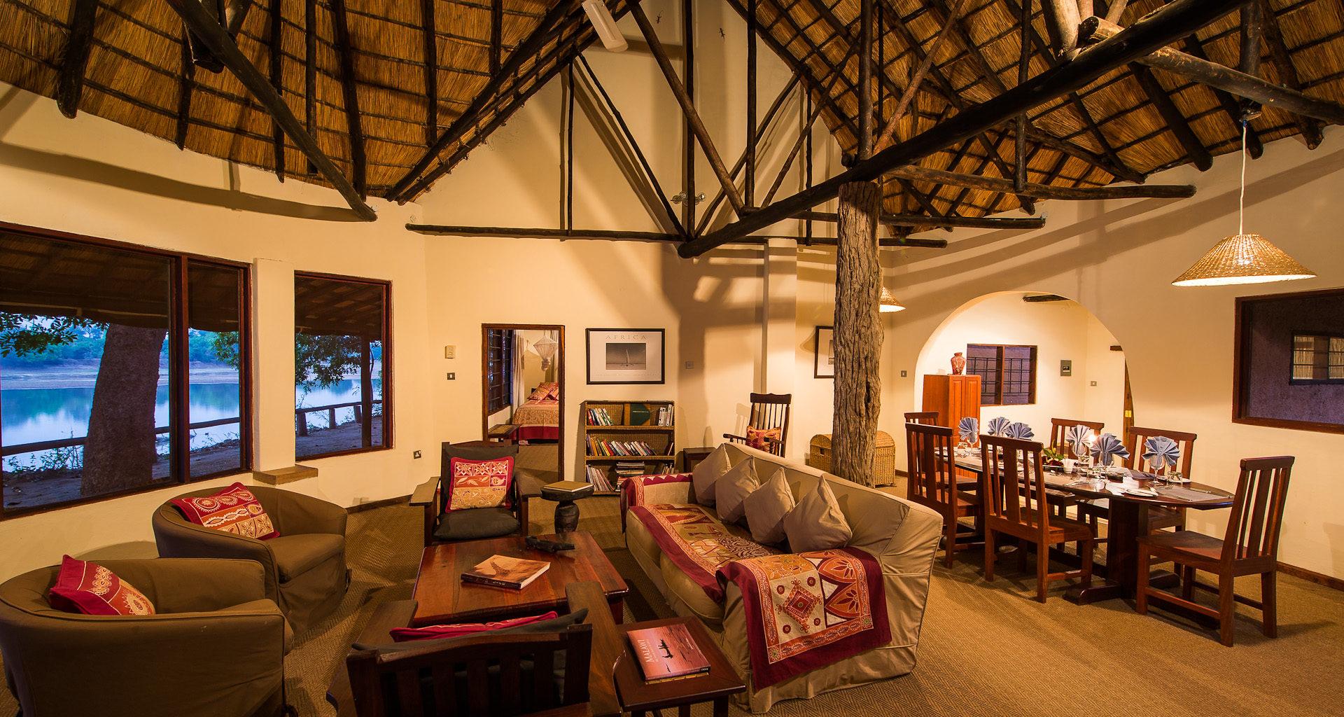 Robins-House-Zambia lounge