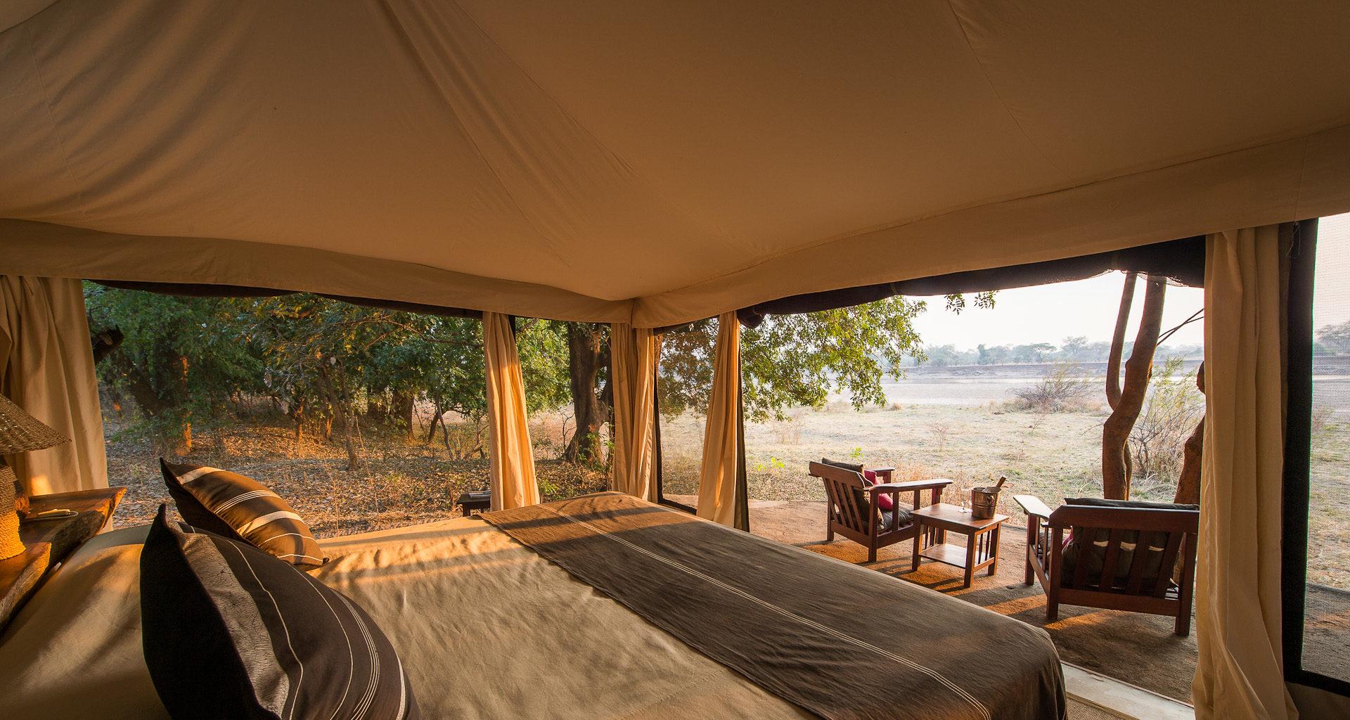 Tena-Tena-Safari-Camp-Zambia-Bedroom