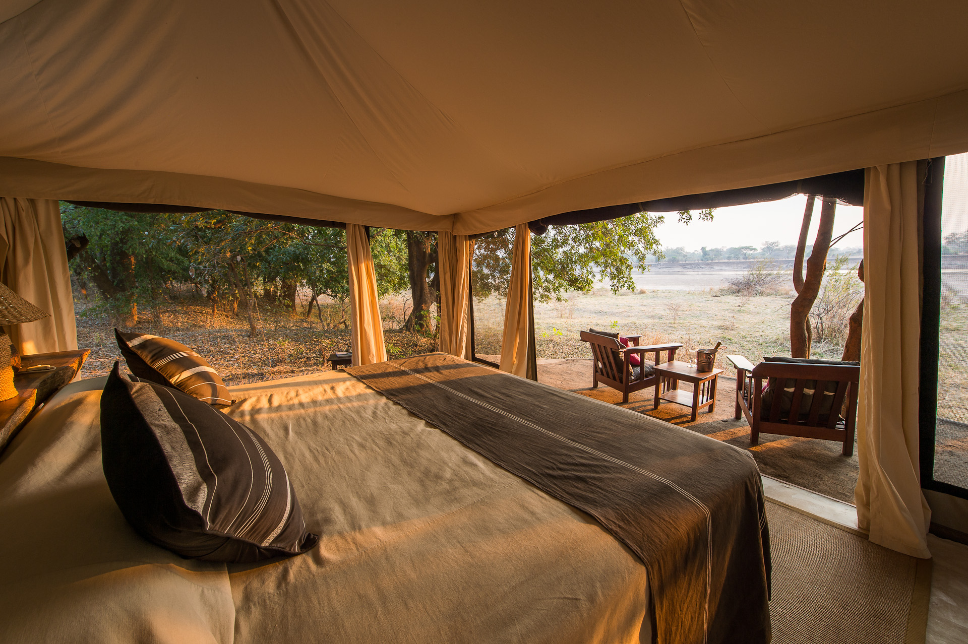 Tena-Tena-Safari-Camp-Zambia-Bedroom