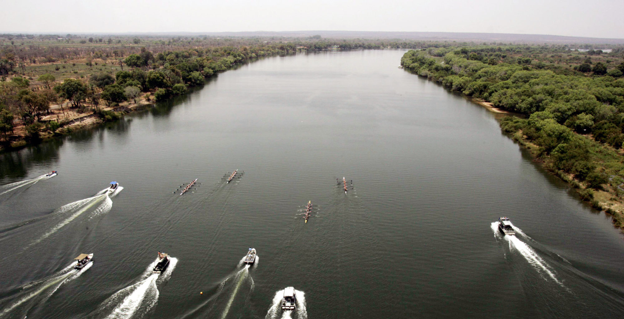 The-River-Club-Lodge-Zambia-rowing