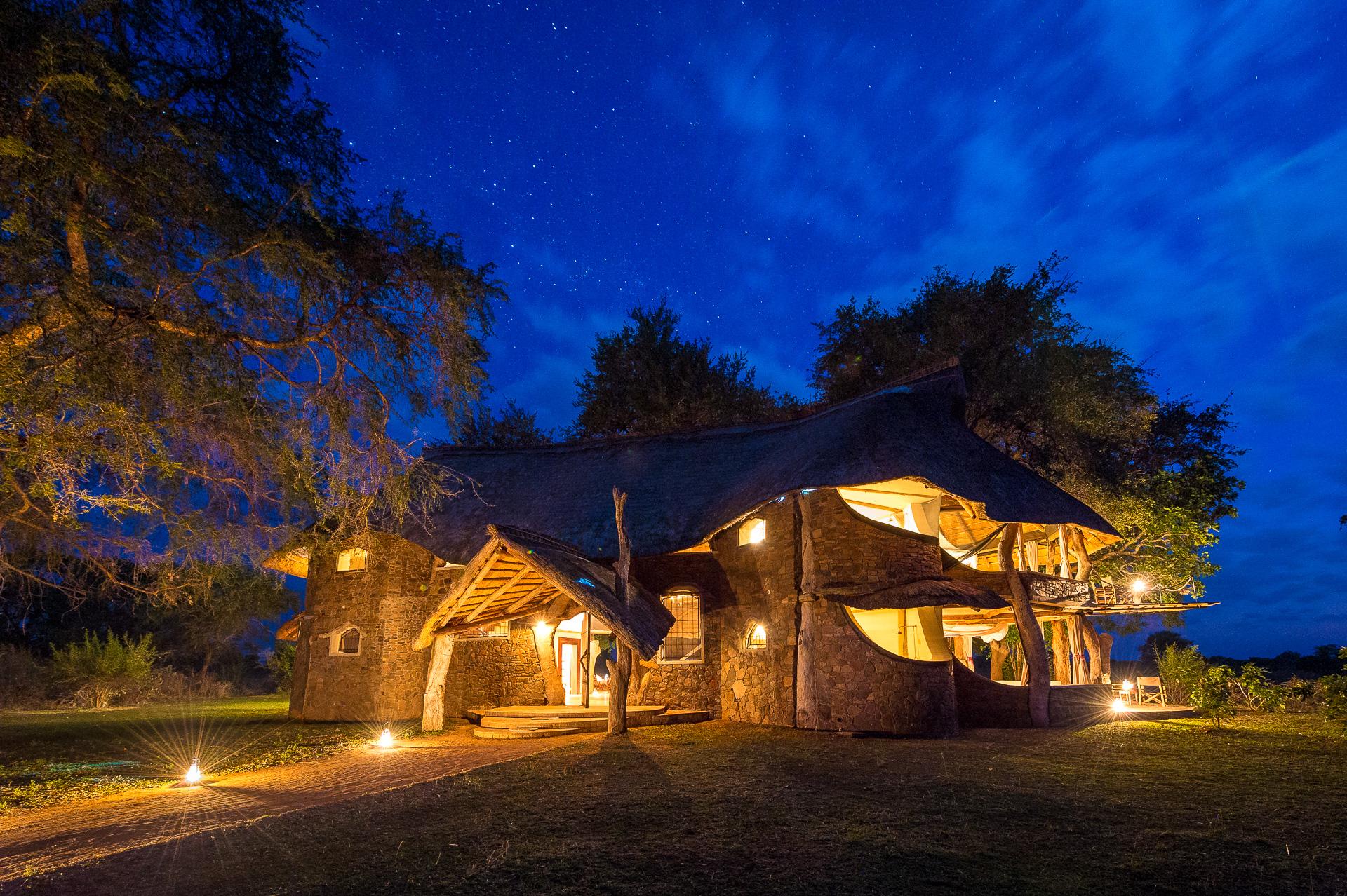 Luanga Safari House Zambia Exterior Night