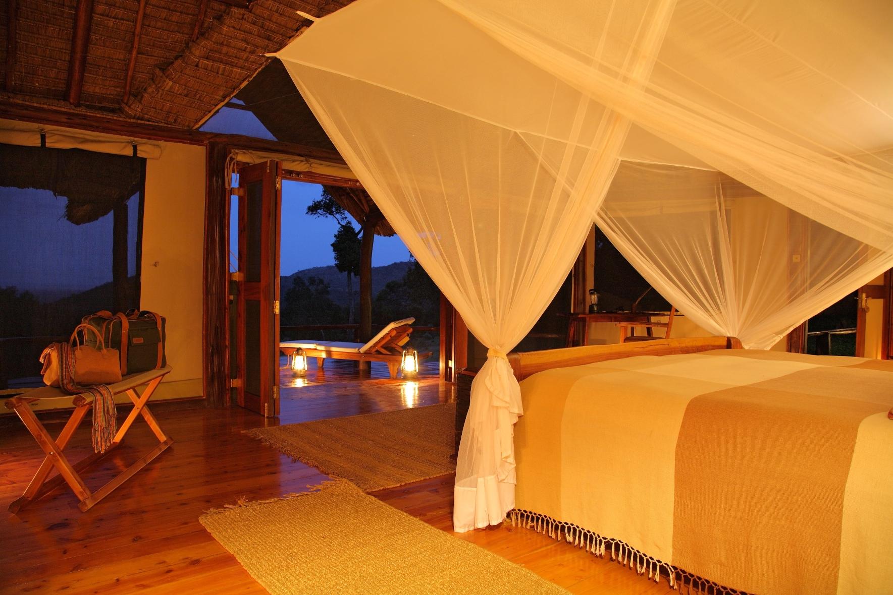 Saruni Mara - Bedroom at Dusk