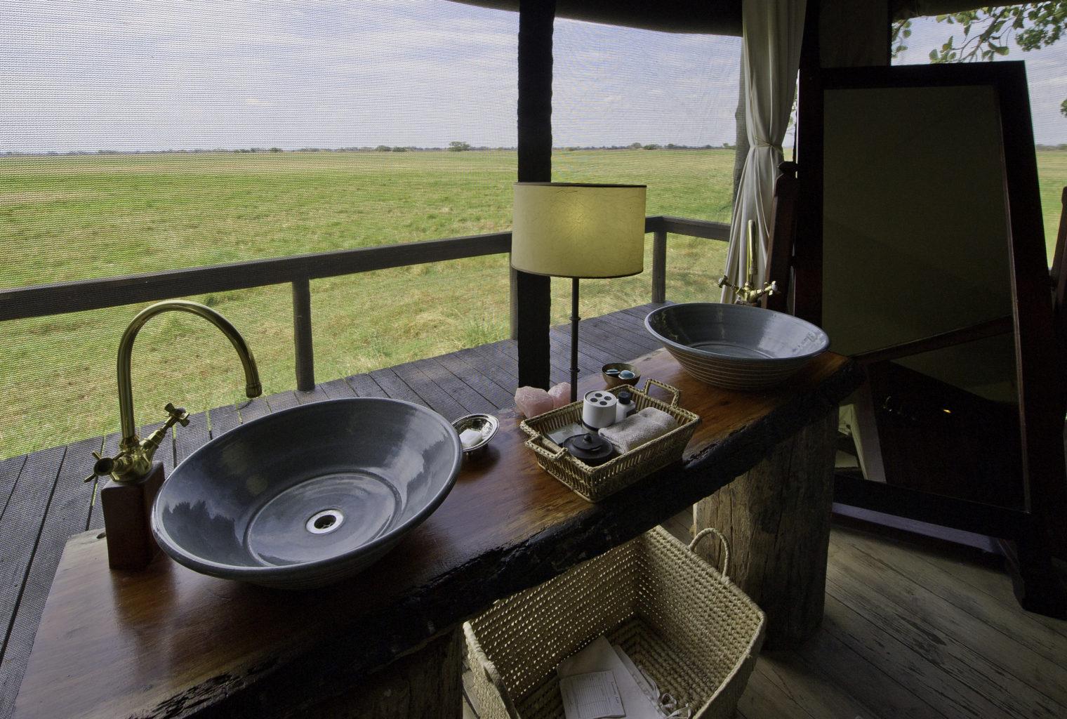 Shumba Camp Zambia Bathroom