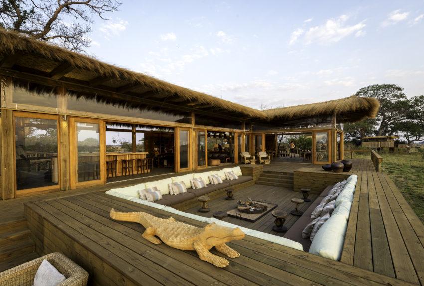 Zambia-Shumba-Camp-Exterior