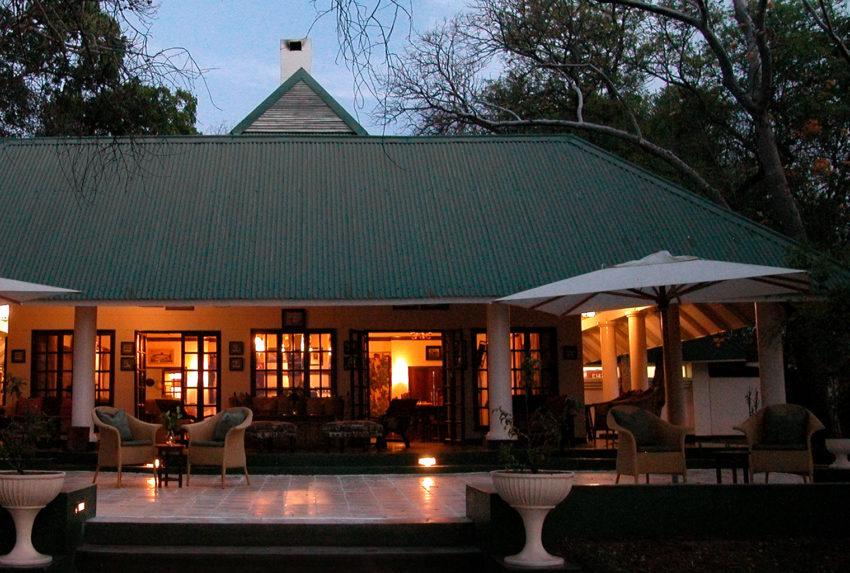 The-River-Club-Lodge-Zambia-Main-building