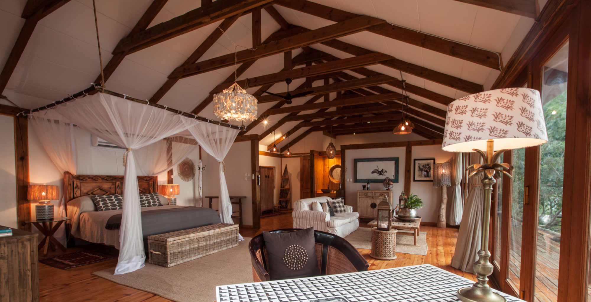 Tongabezi-Lodge-Zambia Dog House 3